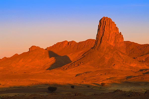 Hoggar-Tamanrassert-Djanet-Sahara-Zeriba-Voyage