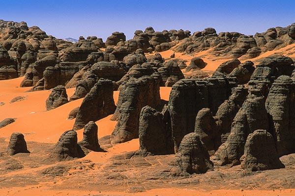 Tamanrasset-Djanet-piste-Sahara-desert