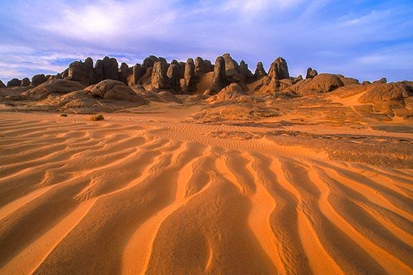 Tassili_du_Hoggar-circuit-4x4-Sahara-Zeriba-Voyage